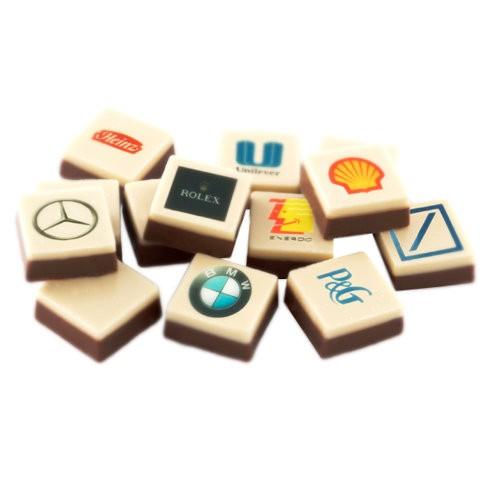 Paket med 96 bitar Logochoklad