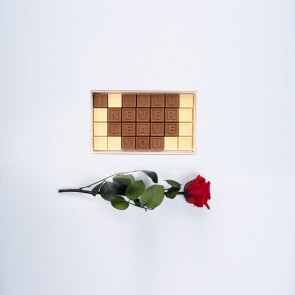 Mini ros med personligt choklad meddelande - 28 Chokladbitar